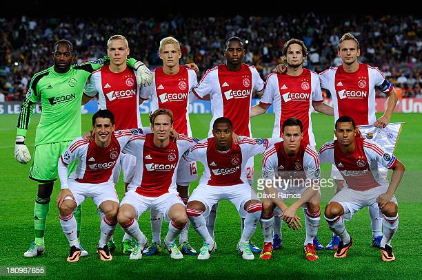 Ajax Amsterdam players pose for a photo prior to the UEFA Champions League Group H match between FC Barcelona and Ajax Amsterdam ag the Camp Nou...