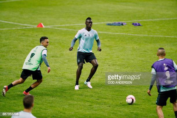 Ajax Colombian defender Davinson Sánchez and his teammates take part in a training session at the Friends Arena in Solna outside Stockholm on May 23...