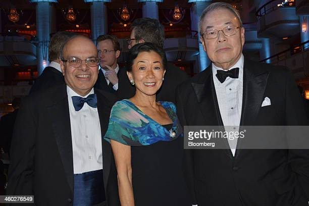 Ajit Jain president of the reinsurance division of Berkshire Hathaway Inc from left Lulu Wang chairman and chief executive officer of Tupelo Capital...