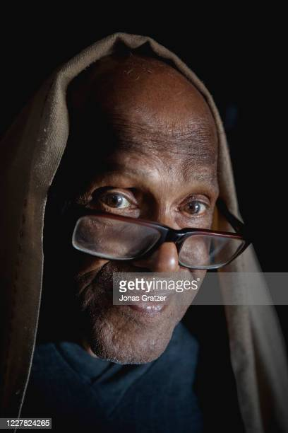 Ajit Kum Das, 84 years, is suffering from lung cancer as many other people in his neighbourhood. A few hundred meters from his home is the dumping...