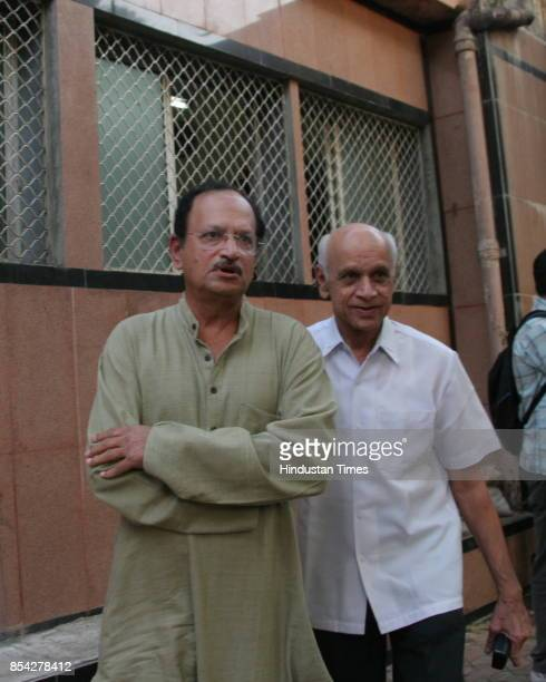 Ajit Wadekar and Nari Contractor at the funeral of former cricketer Hanumant Singh at Chandanwadi crematorium