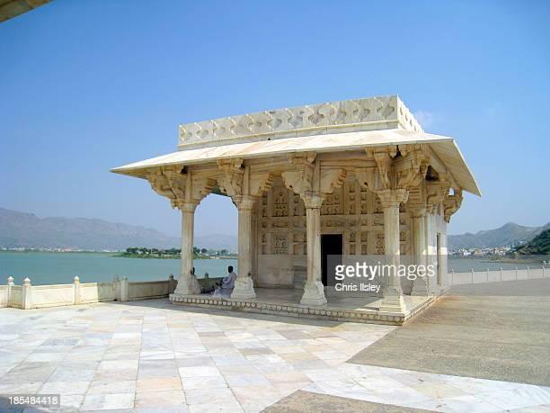 Ajmer: Ana Sagar lake