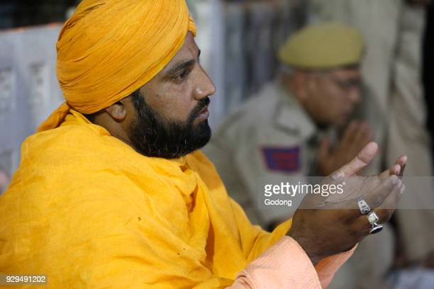 Ajmer Sharif dargah Rajasthan Sheikh Syed Zainul Abedin Ali Khan performing evening rituals India