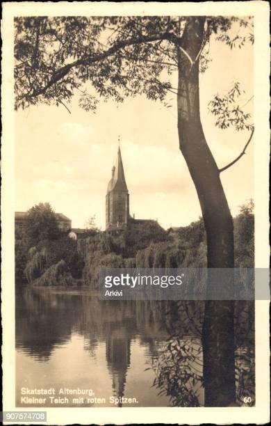 Ak Altenburg Kleiner Teich vor der Kirche mit roten Spitzen