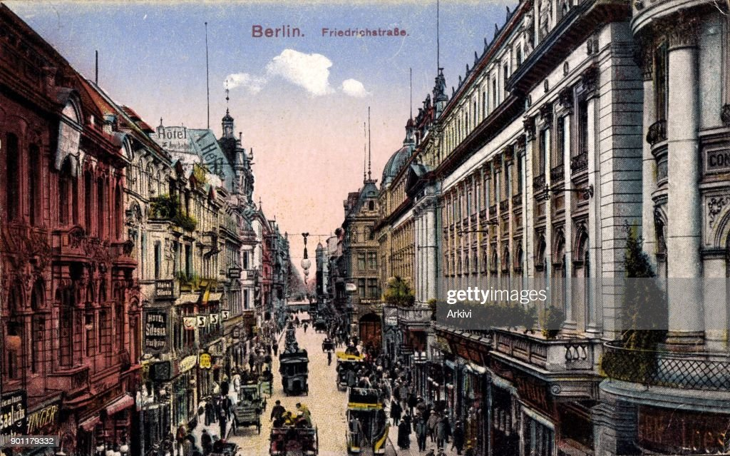 Ak Berlin ak berlin mitte blick in die friedrichstrasse straßenverkehr