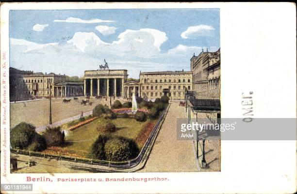 Ak Berlin Mitte Pariser Platz und Brandenburger Tor