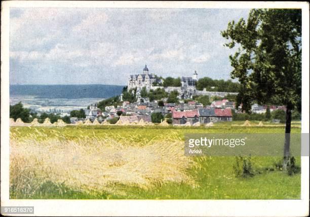 Ak Ranis Thüringen Blick zur Burg Ranis und auf den Ort Feld