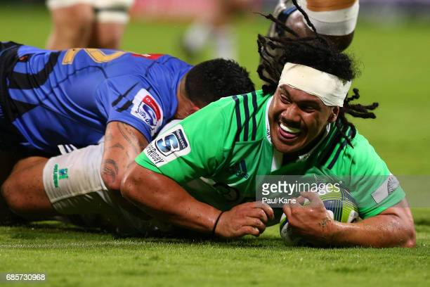 Aki Seuili of the Highlanders crosses for a try during the round 13 Super Rugby match between the Force and the Highlanders at nib Stadium on May 20...
