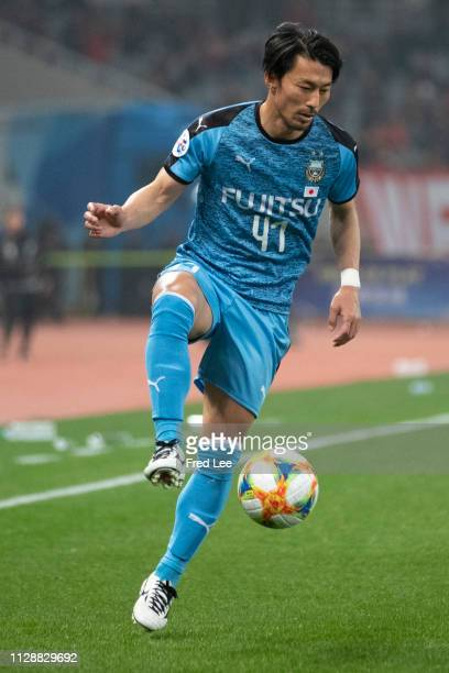 Akihiro Ienaga of Kawasaki Frontale in action during the AFC Champions League Group H match between Shanghai SIPG and Kawasaki Frontale at Shanghai...