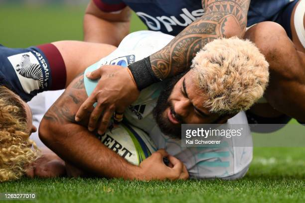 Akira Ioane of the Blues dives over to score a try during the round 8 Super Rugby Aotearoa match between the Highlanders and the Blues at Forsyth...