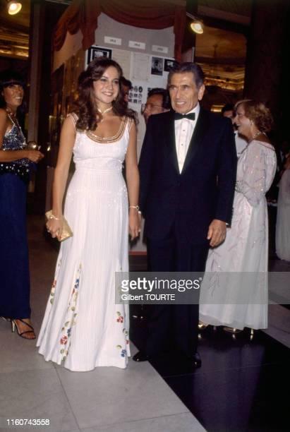 Akram Ojjeh et sa femme Nahed Ojjeh au bal organisé par le joaillier Gérard à l'hôtel de Paris à Monaco le 8 août 1979