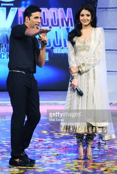 Akshay Kumar and Anushka Sharma promote their upcoming film Patiala House on the dance show Chak Dhoom Dhoom