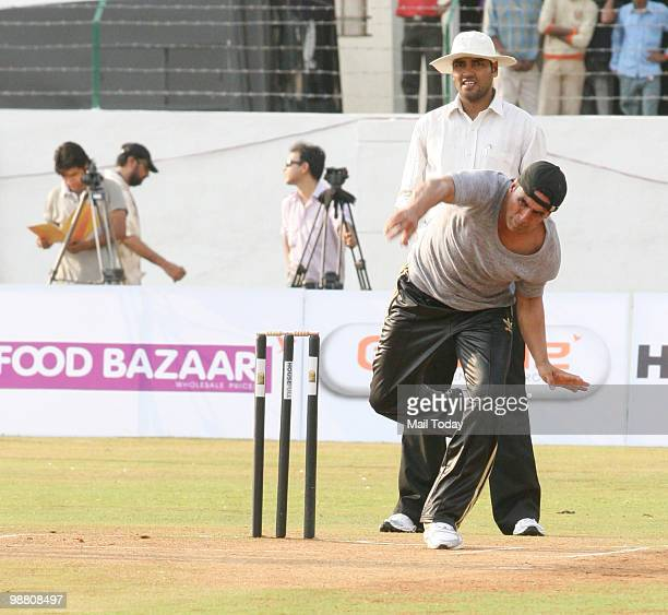 Akshay Kumar at a celebrity cricket match with the cast of Houseful in Mumbai on May 2 2010