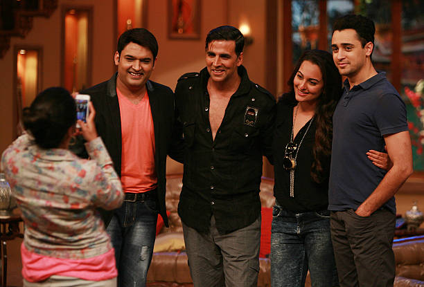 AUGUST 01 Akshay Kumar Sonakshi Sinha Imran Khan and Kapil sharma on the sets of Comedy Nights with Kapil for the promotion of Once Upon a Time in...