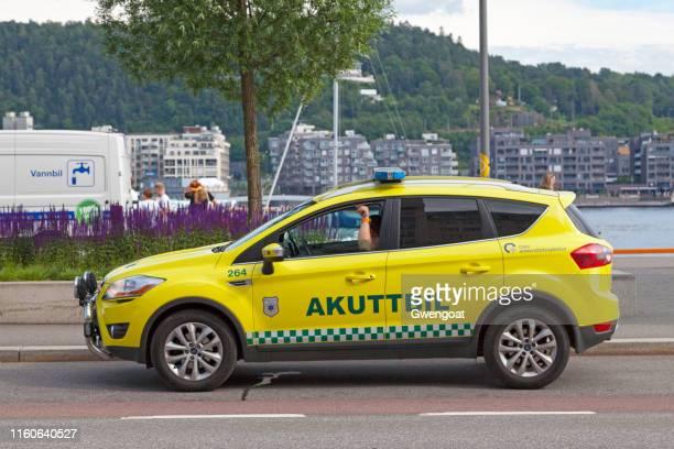 coche de akuttbil en oslo - gwengoat fotografías e imágenes de stock