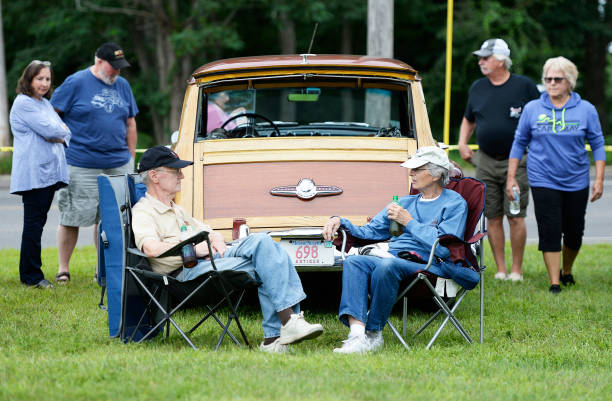 The Th Annual Woodies In The Cove Car Show Pictures Getty Images - Car show chairs