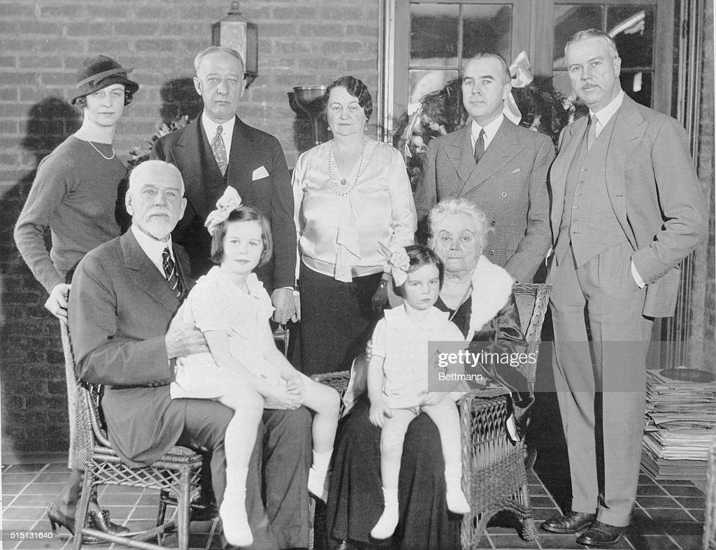 Mr And Mrs Alfred E Smith And Family News Photo
