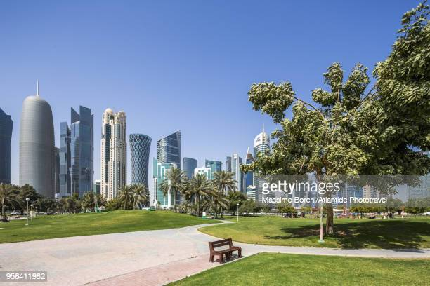 al dafna district (west bay business quarter), view of the town from sheraton park - doha stock pictures, royalty-free photos & images