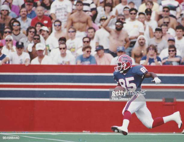 Al Edwards, Kick return for the Buffalo Bills runs the ballduring the American Football Conference East game against the Pittsburgh Steelers on 8...