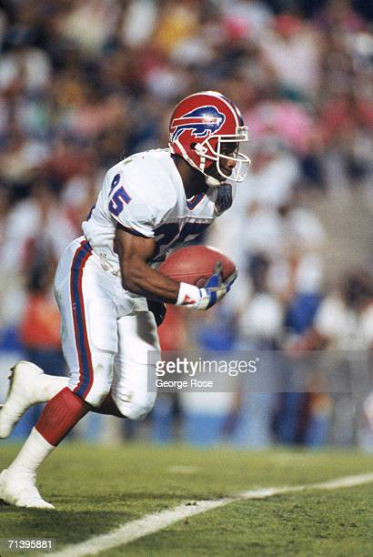 Al Edwards of the Buffalo Bills returns a kick off for thirty yards to the New York Giants forty yard line during Super Bowl XXV at Tampa Stadium on...