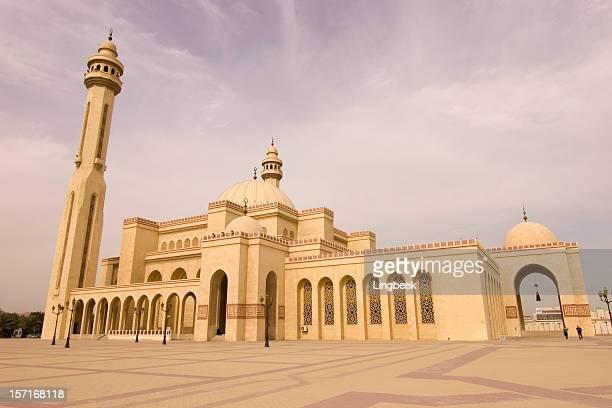 al fateh mosque bahrain - bahrain stock pictures, royalty-free photos & images