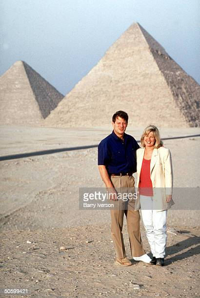 Al Gore and Tipper Gore visiting the pyramids during the UN International Conference on Population and Development his foot in a cast after heel...