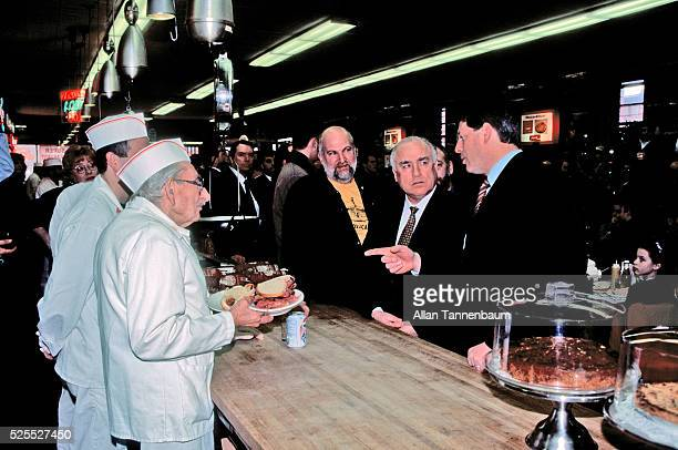 Al Gore has lunch with Russian Foreign Minister Viktor Chernomyrdin at Katz's Delicatessen New York New York January 31 1996
