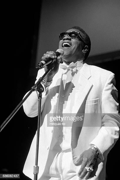 Al Green performing at Beacon Theater on May 26 1999