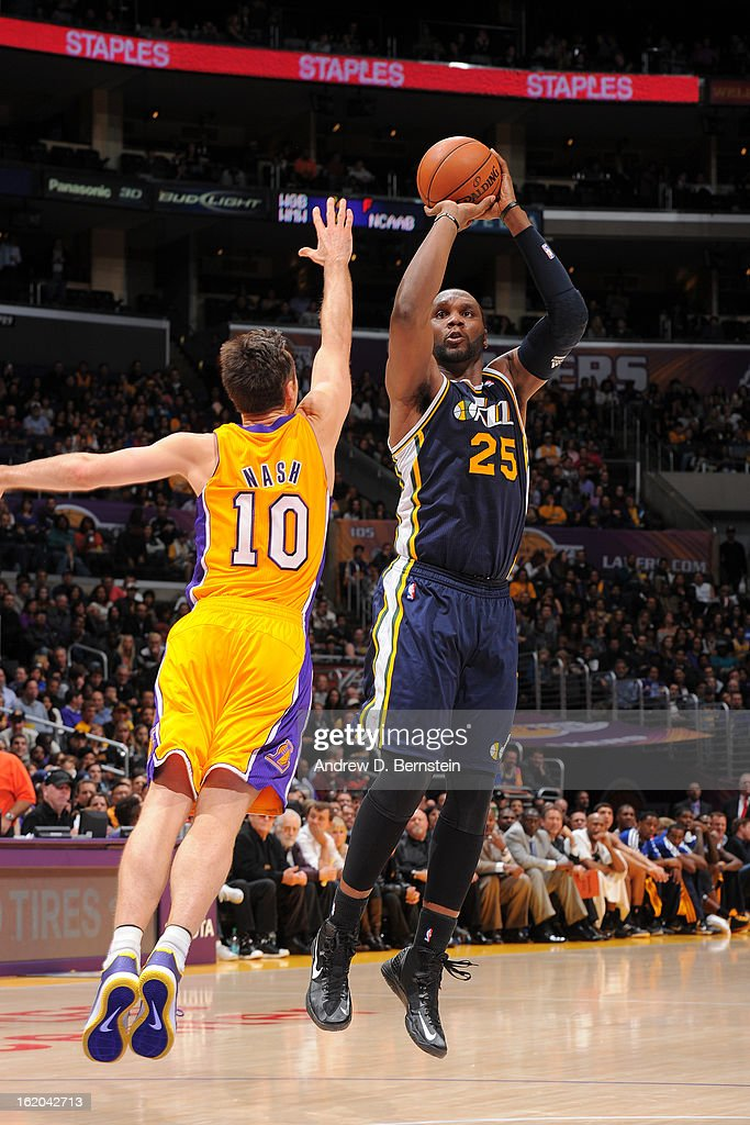 Al Jefferson #25 of the Utah Jazz takes a shot against the Los Angeles Lakers at Staples Center on January 25, 2013 in Los Angeles, California.