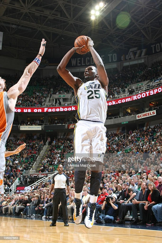 Al Jefferson #25 of the Utah Jazz with a shot against the Phoenix Suns at Energy Solutions Arena on November 10, 2012 in Salt Lake City, Utah.