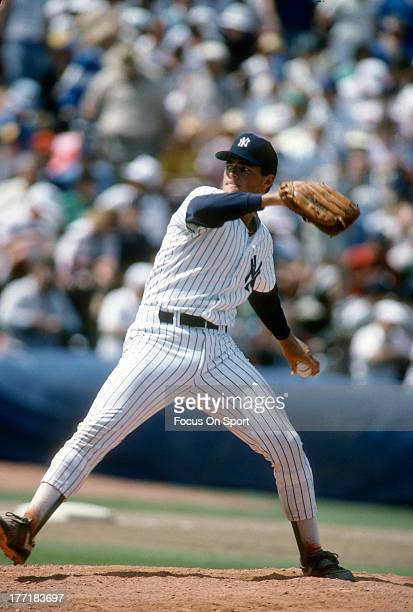 Al Leiter of the New York Yankees pitches during an Major League Baseball game circa 1989 at Yankee Stadium in the Bronx borough of New York City...