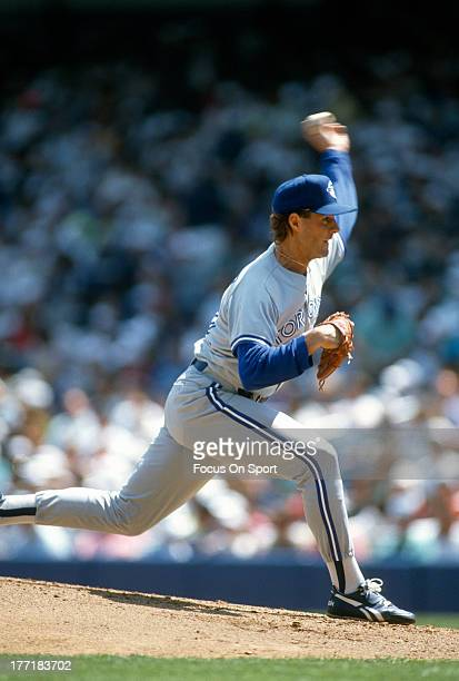 Al Leiter of the Toronto Blue Jays pitches against the New York Yankees during an Major League Baseball game circa 1993 at Yankee Stadium in the...