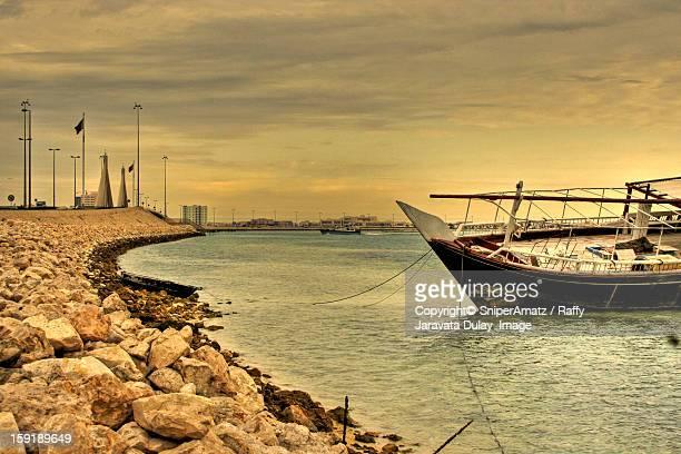 al muharraq corniche bahrain - manama stock pictures, royalty-free photos & images