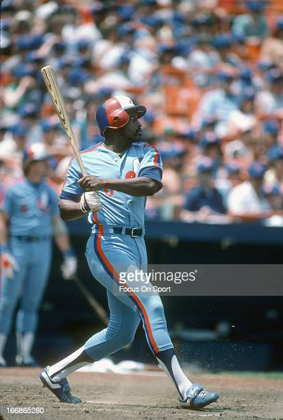 Al Oliver of the Montreal Expos bats against the New York Mets during an Major League Baseball game circa 1982 at Shea Stadium in the Queens borough...