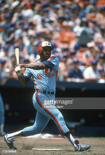 Al Oliver of the Montreal Expos bats against the New York Mets during an Major League Baseball game circa 1983 at Shea Stadium in the Queens borough...