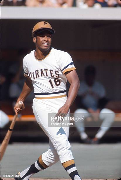 Al Oliver of the PIttsburgh Pirates bats against the San Francisco Giants during an Major League Baseball game circa 1970 at Three River Stadium in...