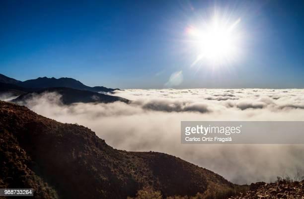 Al otro lado de las nubes