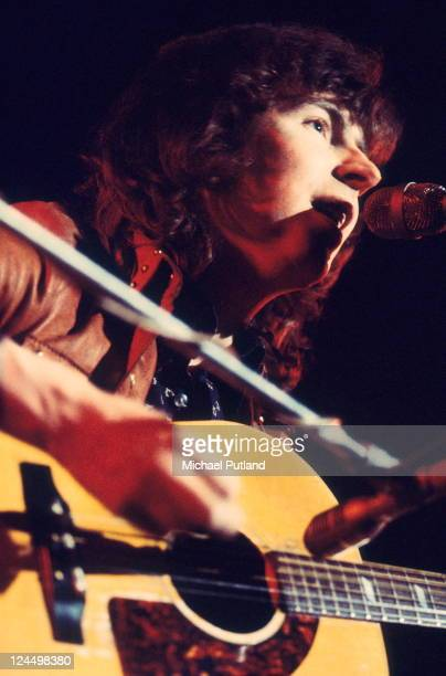Al Stewart performs on stage London 1971