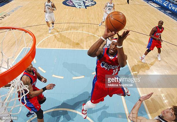 Al Thornton of the Los Angeles Clippers hits a shot over Kyle Korver of the Utah Jazz at EnergySolutions Arena on March 28, 2008 in Salt Lake City,...