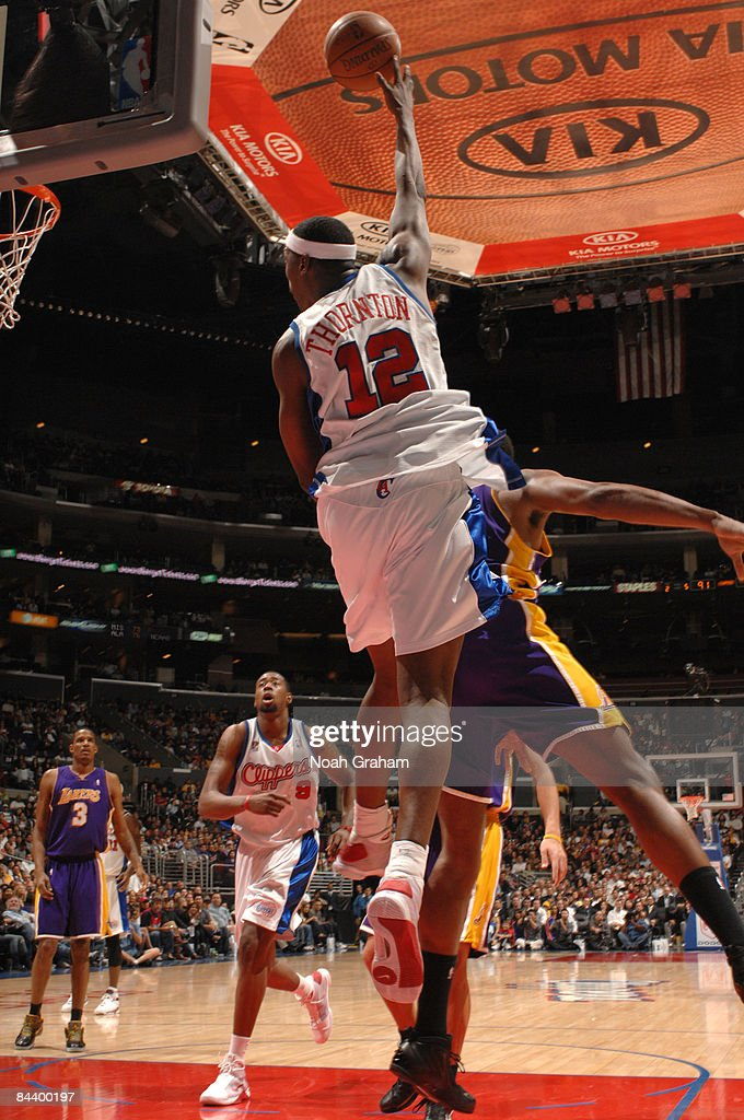 Al Thornton #12 of the Los Angeles Clippers throws up a hook shot during a game against the Los Angeles Lakers at Staples Center on January 21, 2009 in Los Angeles, California.