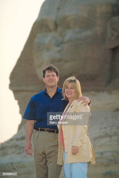 Al Tipper Gore visiting Sphinx on side trip during UN Intl Conf on Population Development