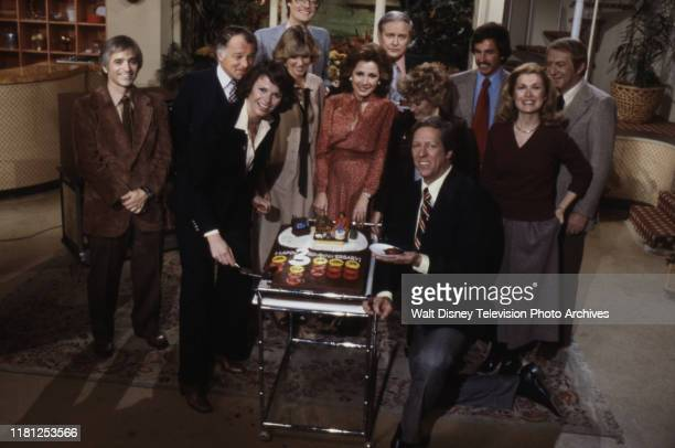 Al Ubell, F Lee Bailey, Joan Lunden, Jack Anderson, Erma Bombeck, Pat Collins, John Coleman, Sandy Hill, David Hartman appearing on ABC's 'Good...