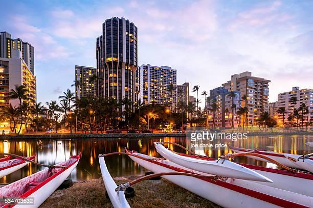ala wai canal, waikiki, honolulu, oahu, hawaii, america - honolulu stock pictures, royalty-free photos & images