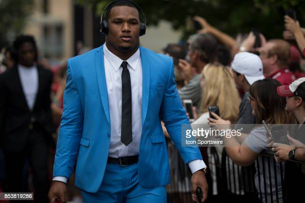 Alabama Crimson Tide defensive end Da'Shawn Hand before a college football game between the Vanderbilt Commodores and the Alabama Crimson Tide on...