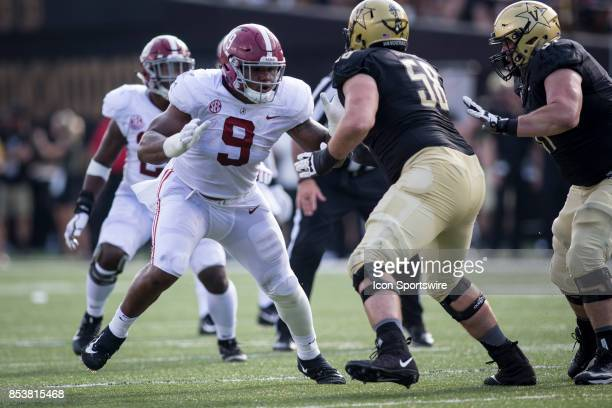Alabama Crimson Tide defensive end Da'Shawn Hand during a college football game between the Vanderbilt Commodores and the Alabama Crimson Tide on...