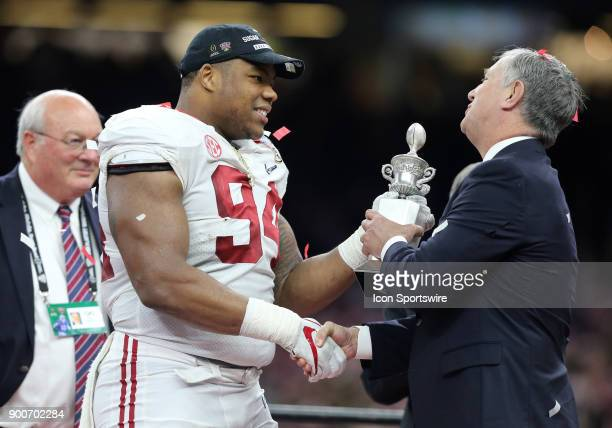 Alabama Crimson Tide defensive lineman Da'Ron Payne is presented the defensive MVP during the College Football Playoff Semifinal at the Allstate...