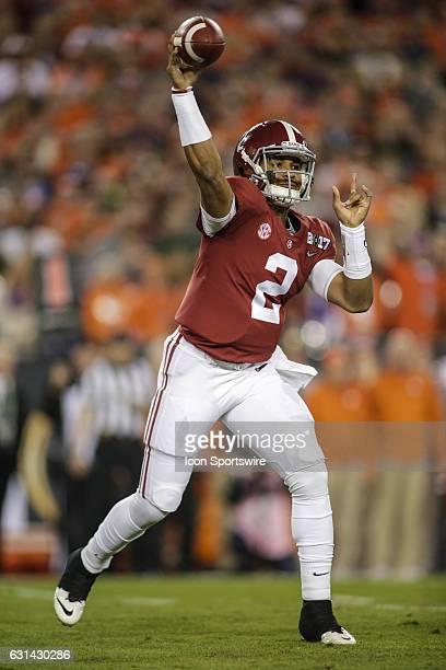 Alabama Crimson Tide quarterback Jalen Hurts throws a pass during the College Football Playoff National Championship game between the Alabama Crimson...