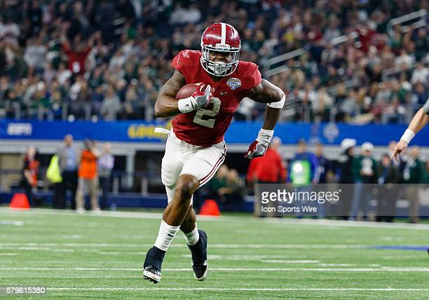 Alabama Crimson Tide running back Derrick Henry scores a touchdown during the NCAA College Football Playoff Semifinal - Cotton Bowl between the...
