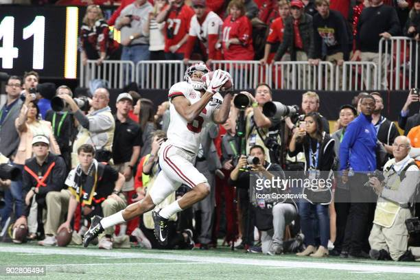 Alabama Crimson Tide wide receiver DeVonta Smith catches this touchdown pass in overtime to win of the 2018 CFP Championship football game between...