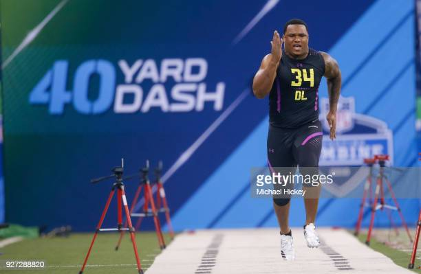 Alabama defensive lineman Da'shawn Hand runs in the 40 yard dash during the NFL Scouting Combine at Lucas Oil Stadium on March 4 2018 in Indianapolis...